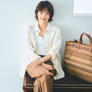 シャツの着方は羽織り風が2020年秋のトレンド【小林麻耶さんが挑戦】