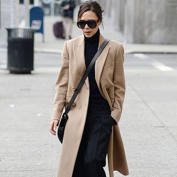 【ヴィクトリア・ベッカム】シンプル派の冬コートの着こなし5選