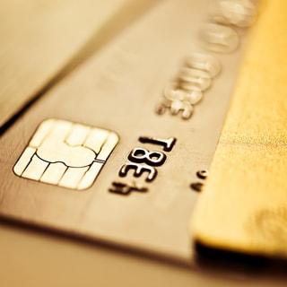 「ゴールドカード」は損?年会費を無駄に払わないために気をつけたいこと