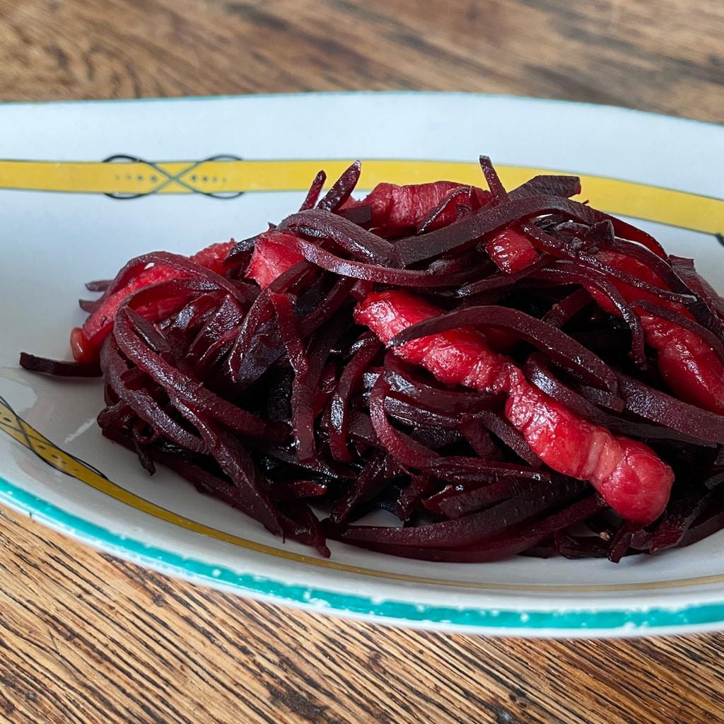 食べる輸血!栄養価の高い人気野菜「ビーツ」を美味しく食べる、洋風きんぴらのレシピ