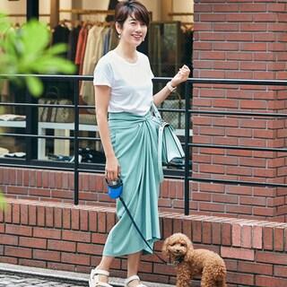 「アシンメトリースカート」で魅せるスタイリッシュな夏スタイル4選
