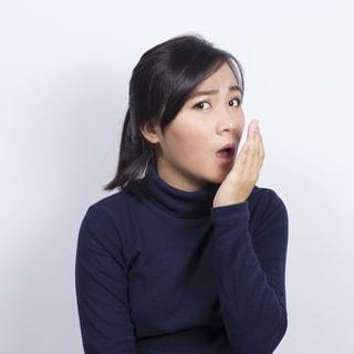 3つの口臭と4つの危険なサイン【医師・山田悠史の解説】