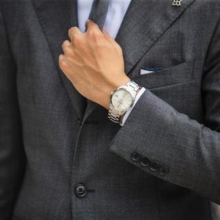 20代なら20万円台。40代なら40万円台。働く男性の賢い時計のプライスと選び方