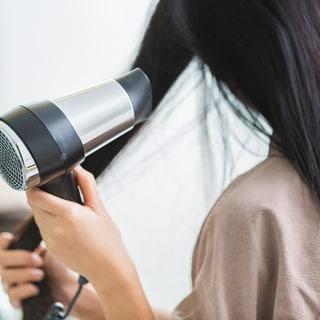 薄毛で悩んでいる人がやってはいけないNGヘアスタイルとは?
