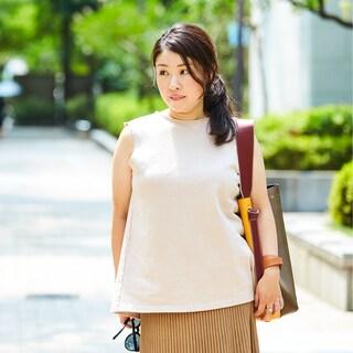洗練ベージュ+秋色バッグはファッション端境期の救世主