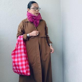 50代ファッション学。ピンク色の小物を身に着ける理由とは?