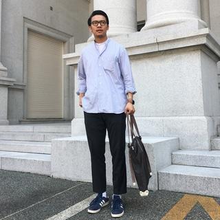 サンスペルのモックネック Tシャツで、夏の小さな抵抗を by柳田啓輔