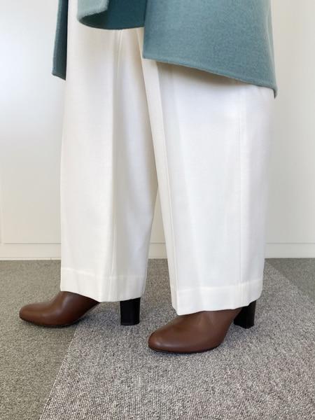この冬欲しい「くすみグリーン」のコート【きれいめ派代表・林 智子さん】スライダー1_3