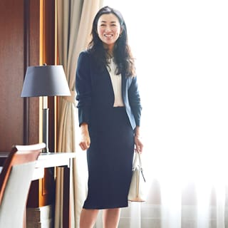 金融系勤務AKIKOさんの場合「スーツは制服」。でも仕事後に気分を変えるには?