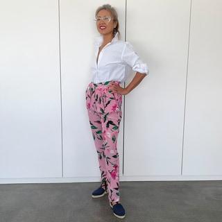 老眼鏡とは思えない!今年の夏のメガネとファッションのコーディネート実例