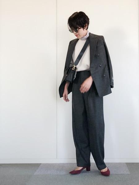 シンプル代表・エディター昼田祥子さんがセレクト! 温かみたっぷりのニットを一枚スライダー1_1