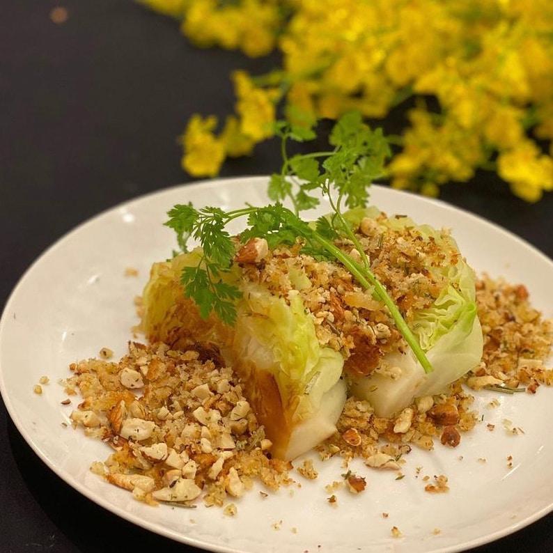 キャベツとナッツで贅沢な一皿を【体も喜ぶヴィーガン料理】
