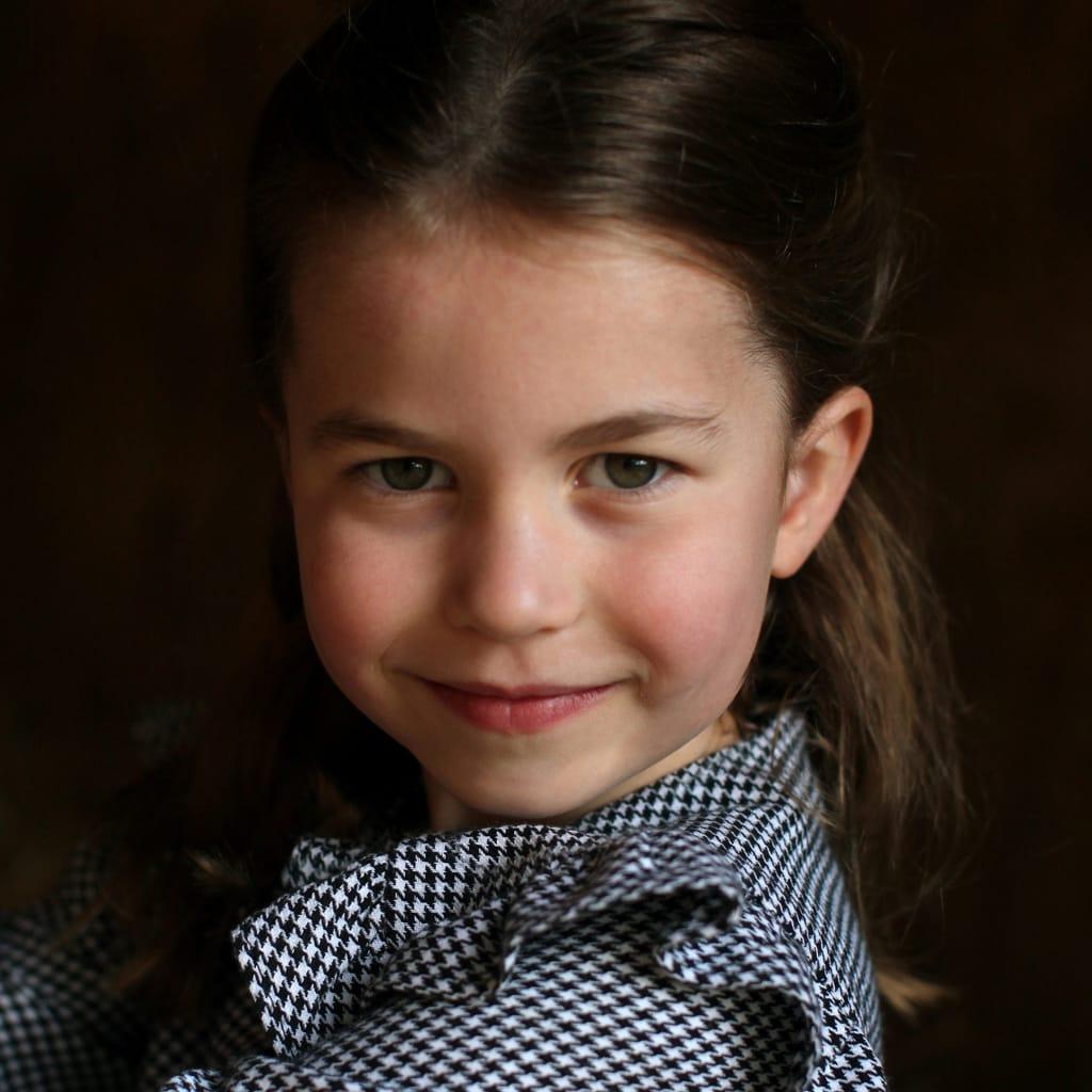 ダイアナ妃からシャーロット王女へ、3代受け継がれる英国伝統のファッションとは?