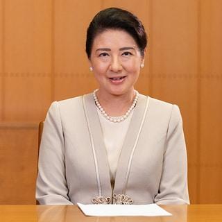 雅子さま「オンラインご公務ファッション」ポイントはパールとスカーフで