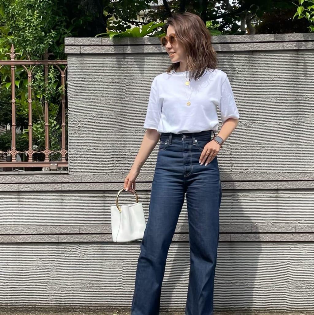 40歳のTシャツ。袖丈、肩幅、ネックライン、慎重に選んでます