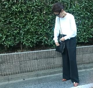 久しぶり! の黒の美脚パンツを¥12000で手に入れました♡