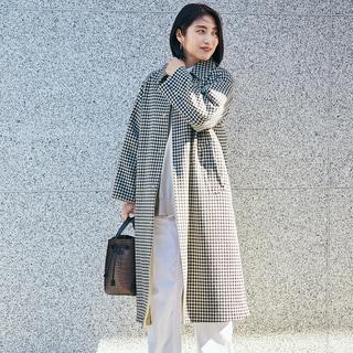 【スナップ】メンズライクなチェック柄コート。白ベージュと合わせるとクリーンで軽やか