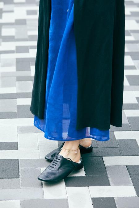 【女優の私服】色とデザインにひと目惚れしたワンピースはパンツと重ねて今っぽくスライダー1_3