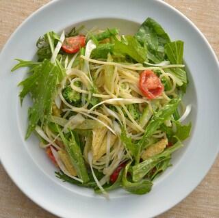 余り野菜で作る、落合務シェフの「野菜とごまのアーリオ・オーリオ」のレシピ