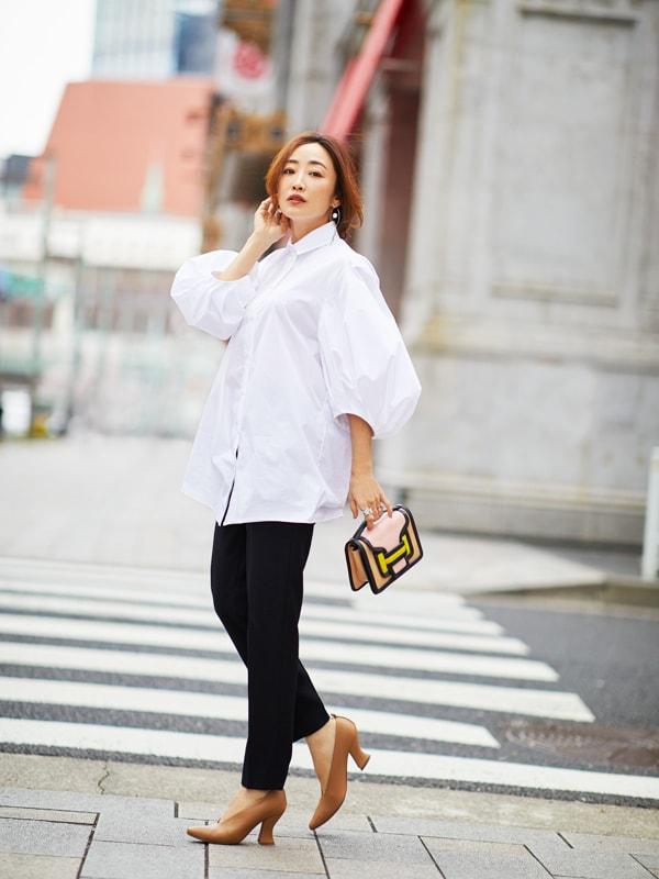 神崎恵さんの私服公開「これまで苦手だった白シャツが着られるようになったワケ」スライダー1_1