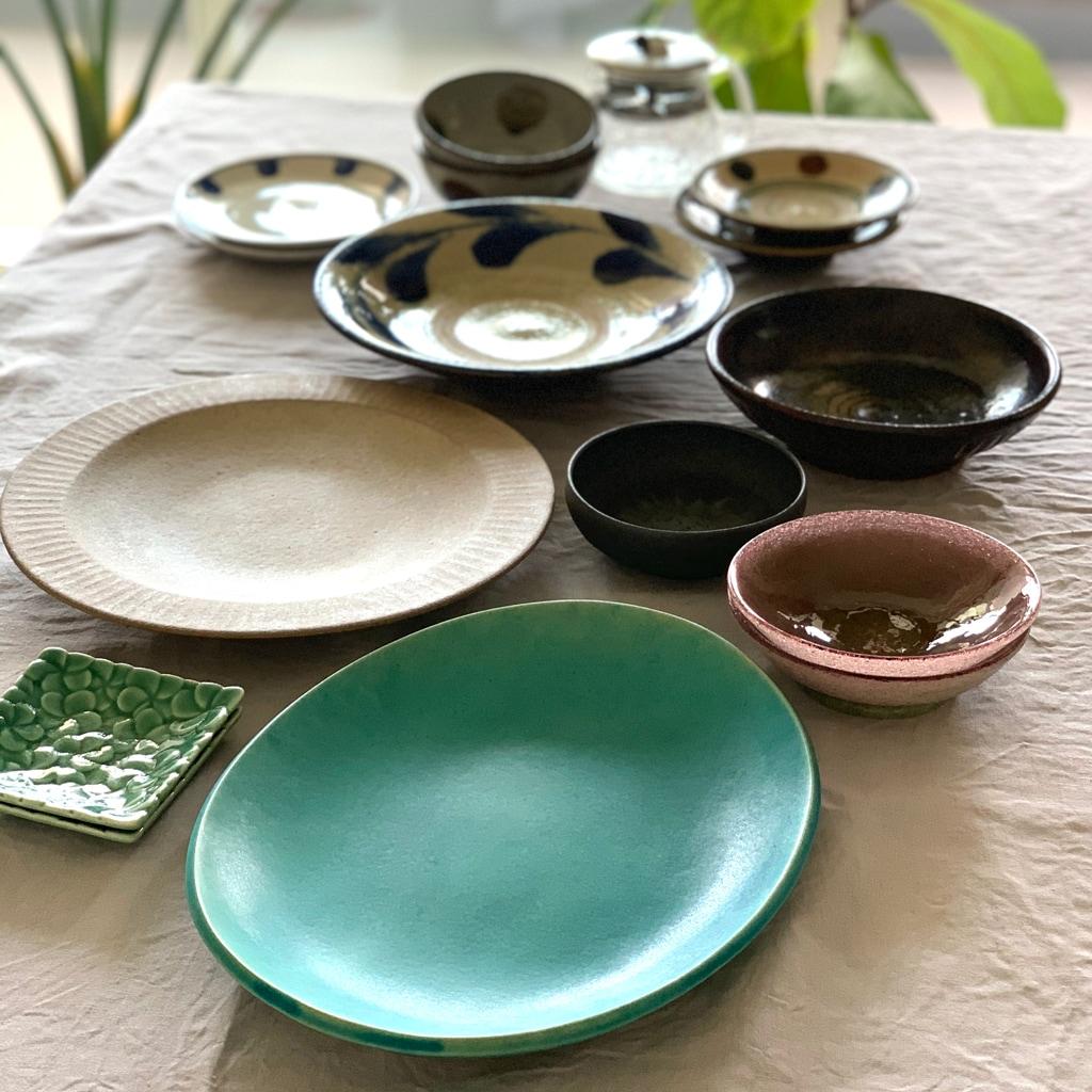 日々の食事を豊かにする、旅先で出会った器たち【スタイリスト斉藤美恵さん】