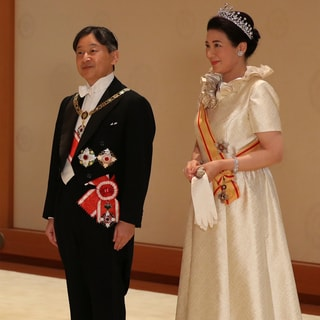 即位の礼 「饗宴の儀」に華やかなドレス姿で参列した、世界のプリンセスたち
