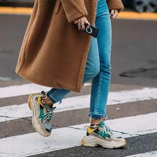 「冬のスニーカー」をカジュアルすぎず大人に着こなす術11【海外スナップ】