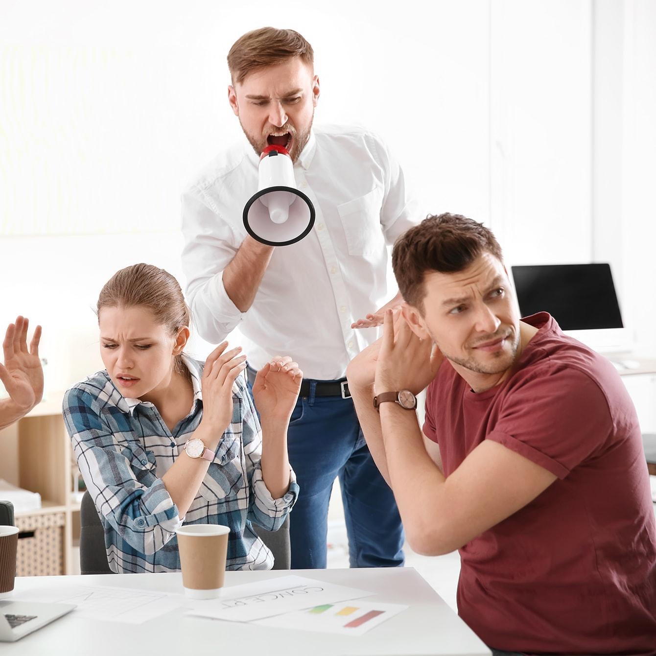 超ヒステリックだけど優秀な上司…会社は何もしてくれないとき私はどうすれば?