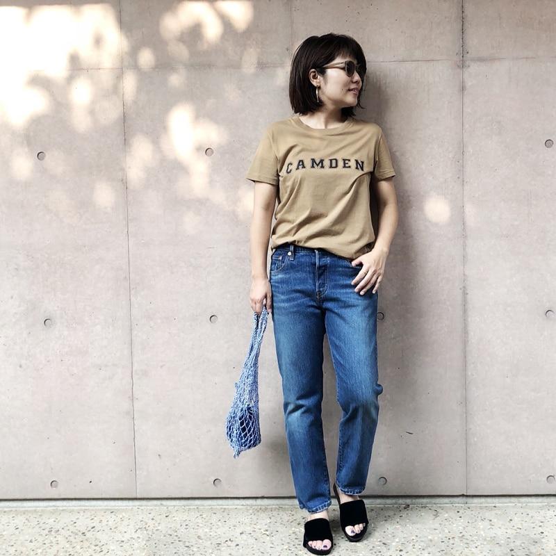 ロゴTシャツ×デニムを大人が着るならアースカラーが鍵スライダー1_1