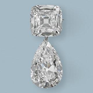 カットにこだわる上級者が選ぶ「ロイヤル・アッシャー」のダイヤモンドジュエリー
