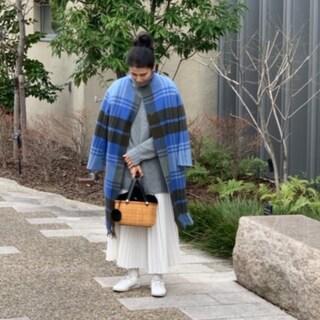 嬉しい流行「ゆる×ゆる」コーデにかごバッグを合わせた休日スタイル