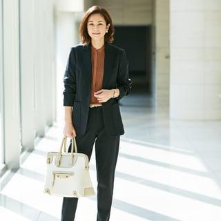 有能な印象に導いてくれる、働く女性の強い味方!スーツブランド編