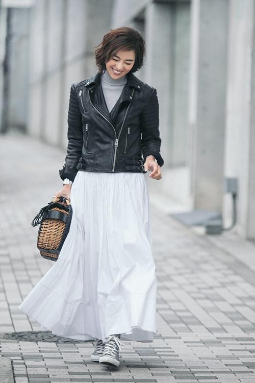 子育て中の母こそ、 白スカートがいい理由【5日間コーディネート】スライダー1_1
