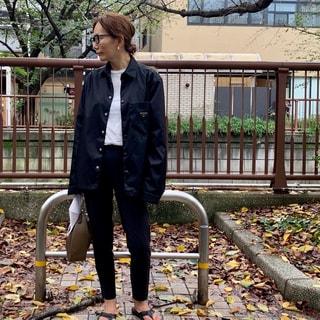 人気スタイリストの秋一番のお買い物はプラダのナイロンシャツ