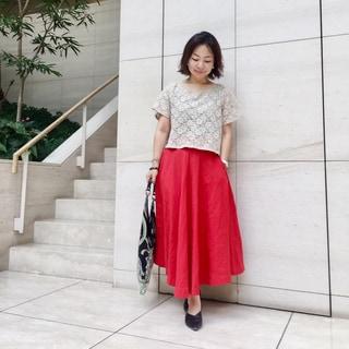 「制服アイテム」はマキシ丈スカートです