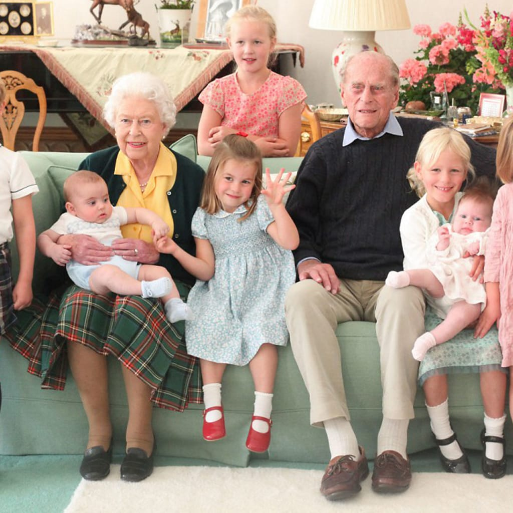フィリップ殿下を偲ぶキャサリン妃の深い家族愛「喪服と家族写真に込めた敬意」