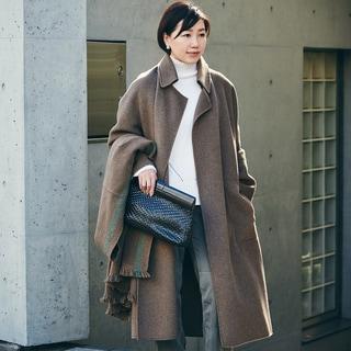 【スナップ】Sサイズが様になるロングコートは柔らかな素材のニュアンス色
