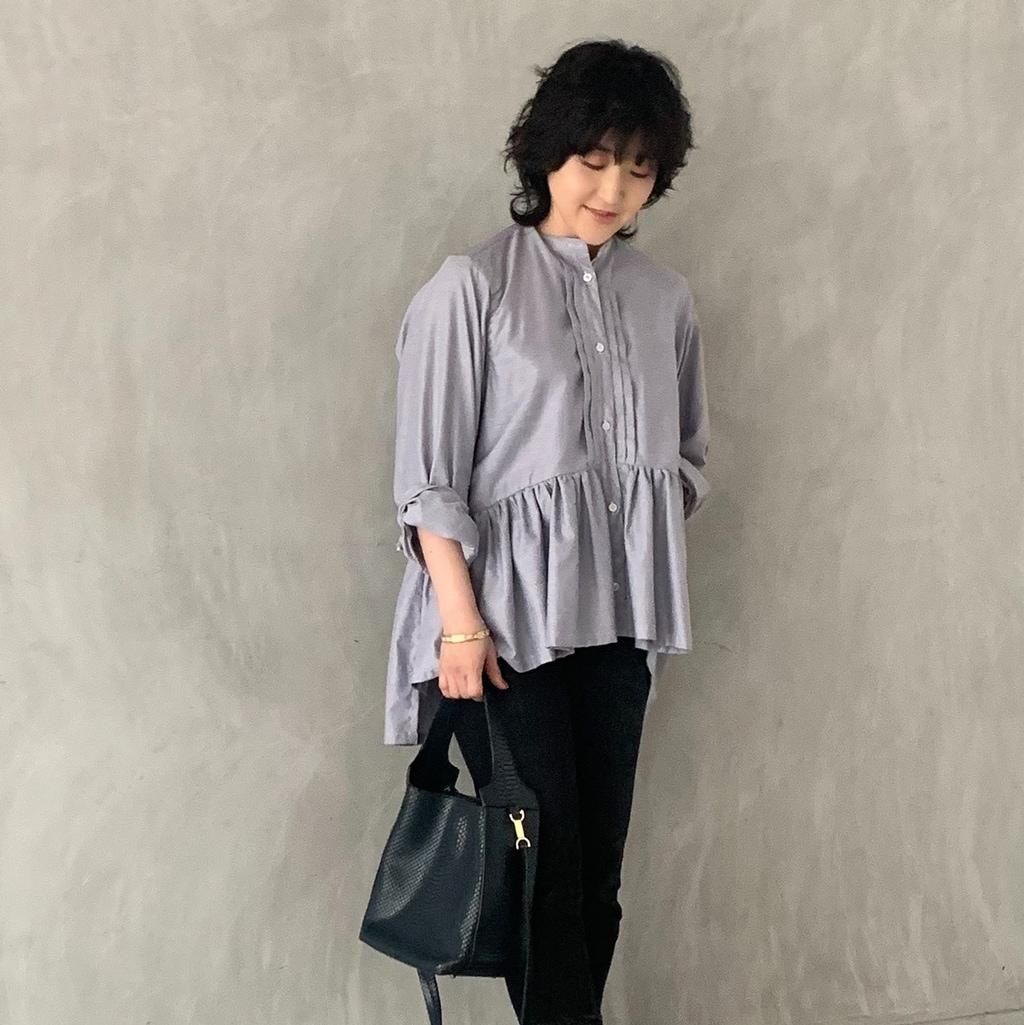 20代から憧れていた、知的な佇まいがあるフィナモレのシャツ【スタイリスト室井由美子】