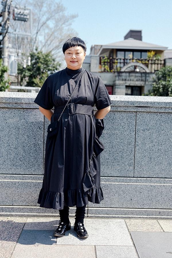 """ドレスアップする日はシックな黒。小さな""""可愛い""""をさりげなく自分のためにスライダー1_2"""