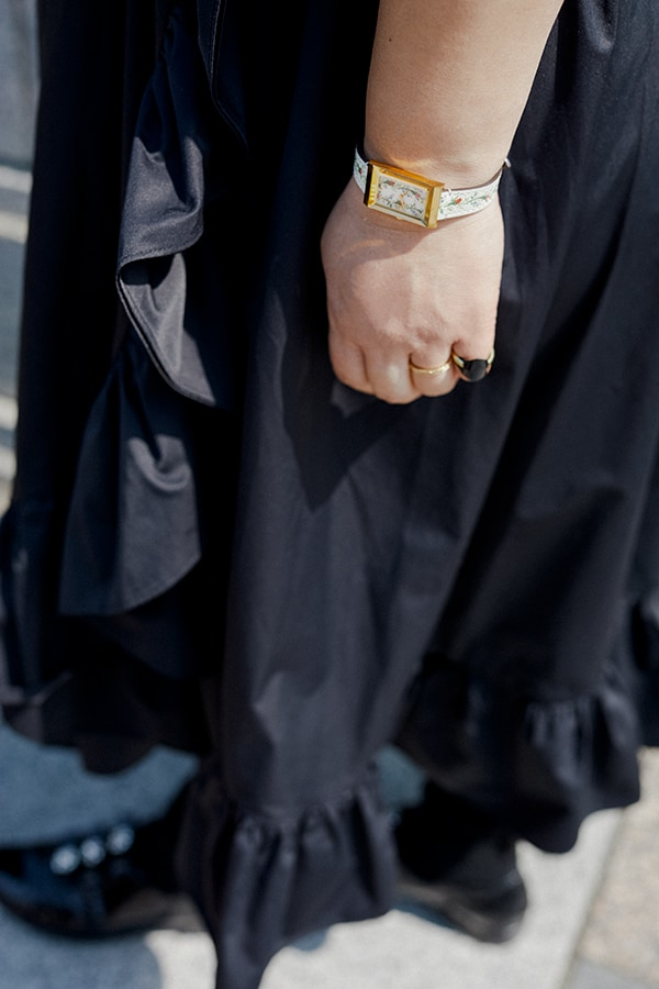 """ドレスアップする日はシックな黒。小さな""""可愛い""""をさりげなく自分のためにスライダー1_4"""