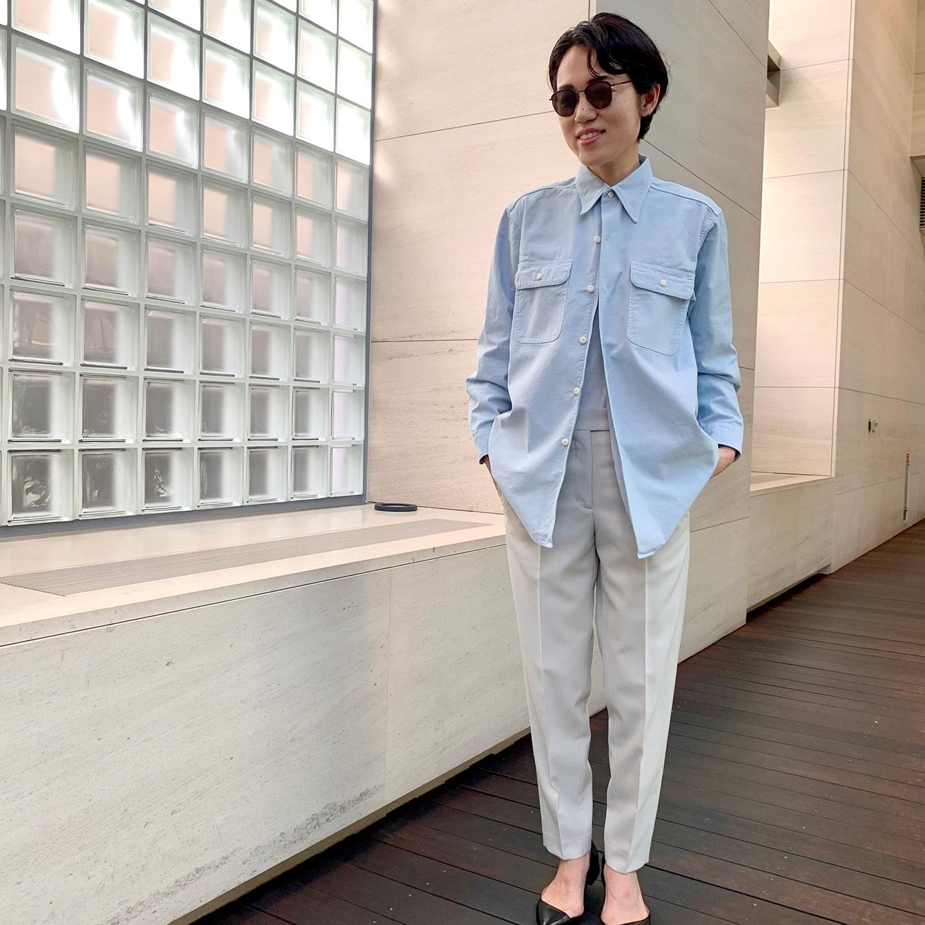 アウター感覚で着る「マディソンブルー」のシャツ。サイズ選びと着こなしのコツは?【エディター昼田祥子さん】