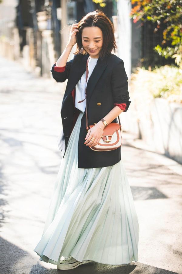 【スタイリストの私服】5年愛用のマディソンブルーのジャケット。春の流行色ミントカラーと一緒にスライダー1_1