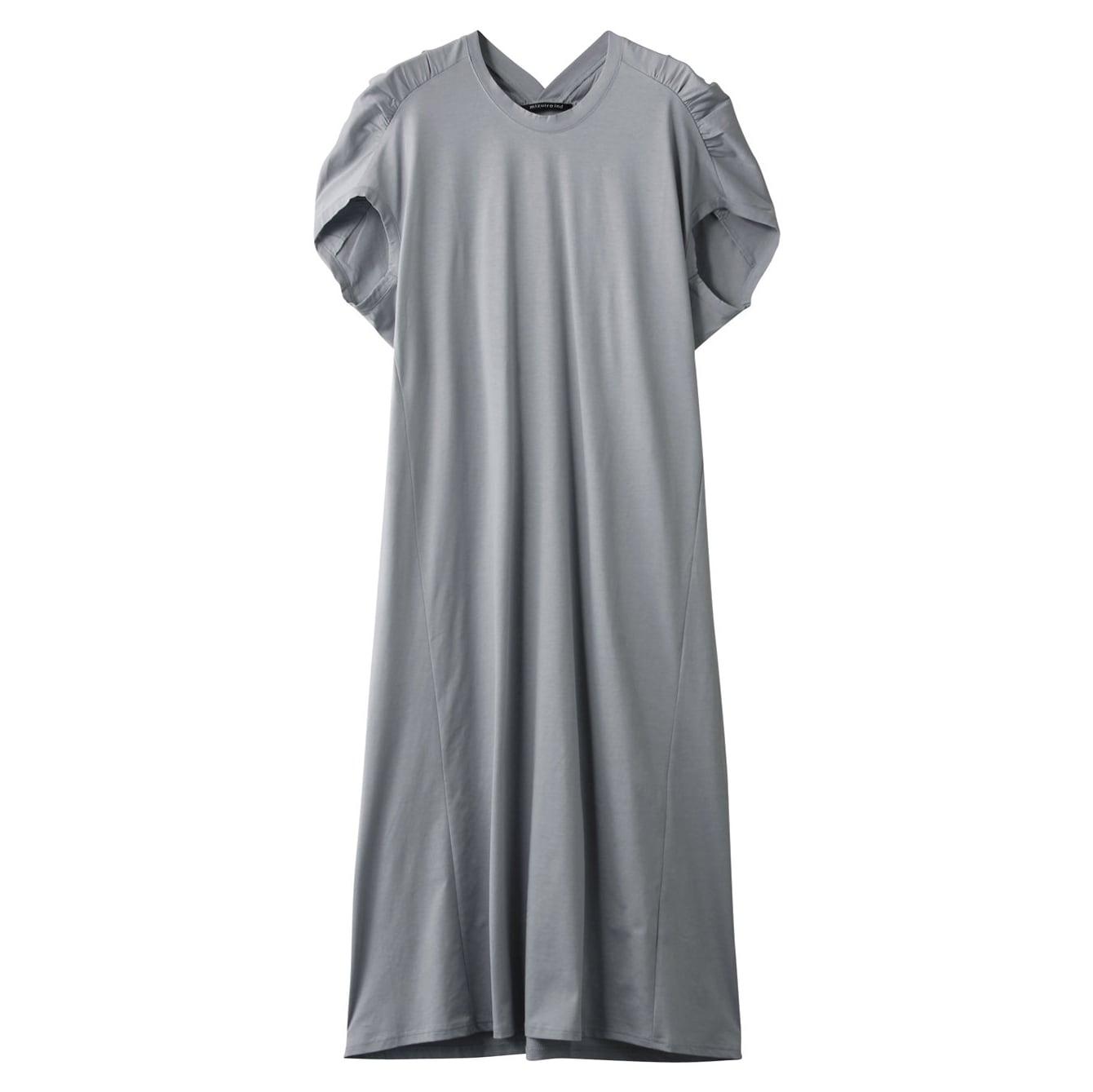 エディターが選んだおこもり生活を快適にするストレスフリー服とは?