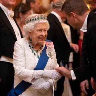 エリザベス女王の元で働ける!? 英国王室からの夢の求人情報とは
