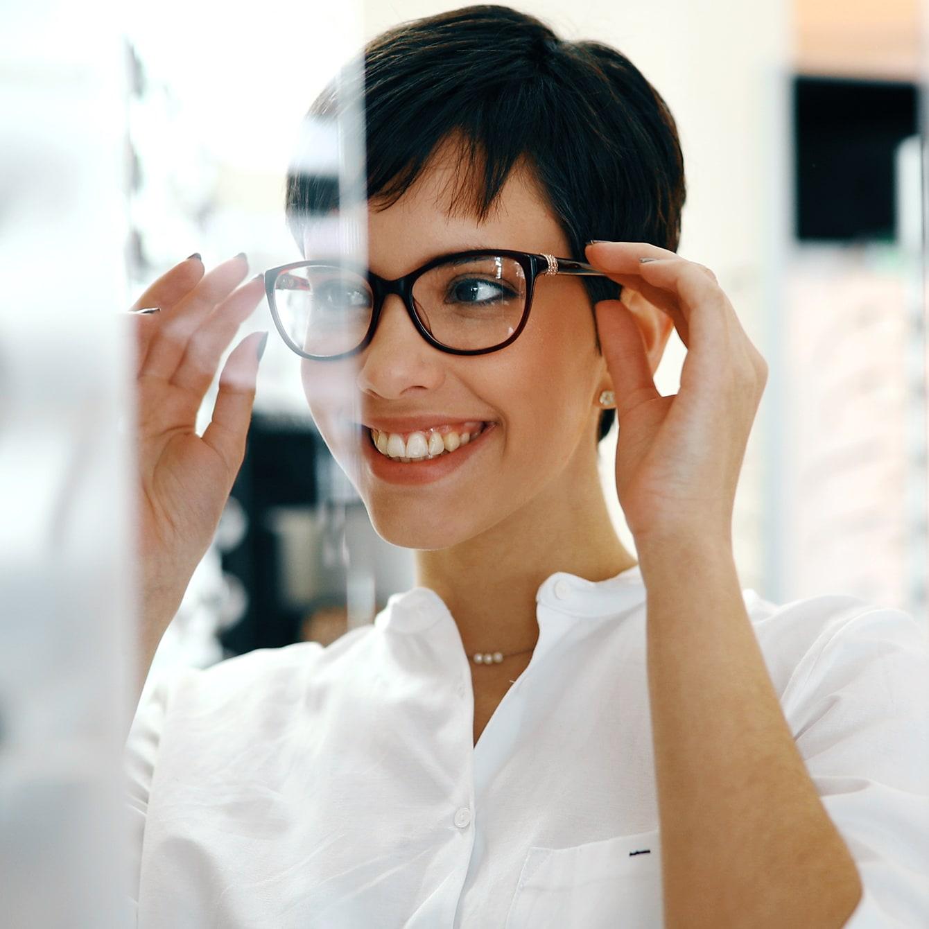 40代のメガネ選び「顔型、好みでえらんでいい?」