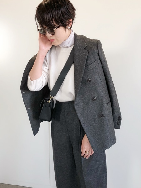 シンプル代表・エディター昼田祥子さんがセレクト! 温かみたっぷりのニットを一枚スライダー1_3
