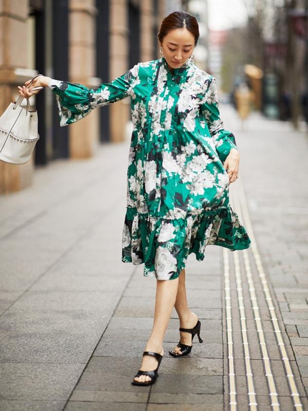 【神崎恵】大人がフェミニンなワンピースを着るときは髪型をタイトに仕上げるスライダー1_1