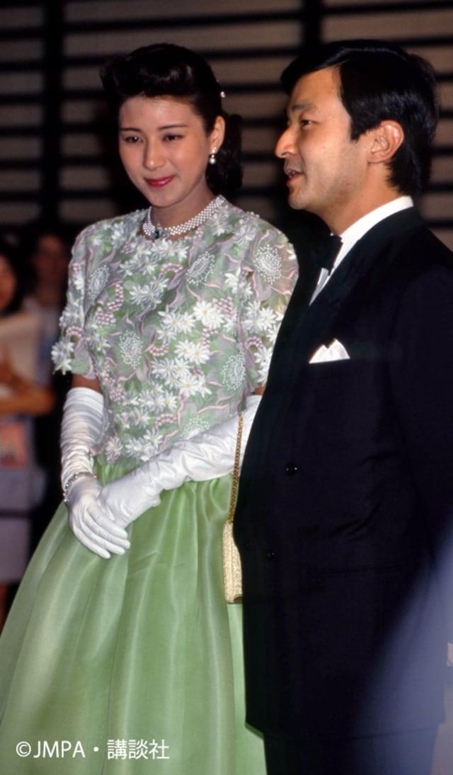 """雅子さまファッション】皇室外交の""""華"""" エレガントで煌びやかなドレス ..."""