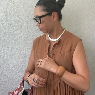【50代ファッション学】初秋の手元を彩るお気に入りアクセサリー