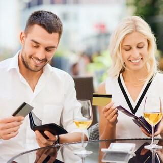 """夫婦別財布、お小遣い制、持ち家VS賃貸。お金のプロが家庭の""""どっち?""""を解決!"""
